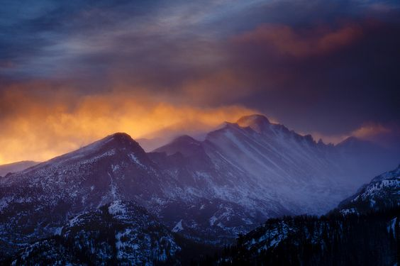 Beautiful shot of Long's Peak