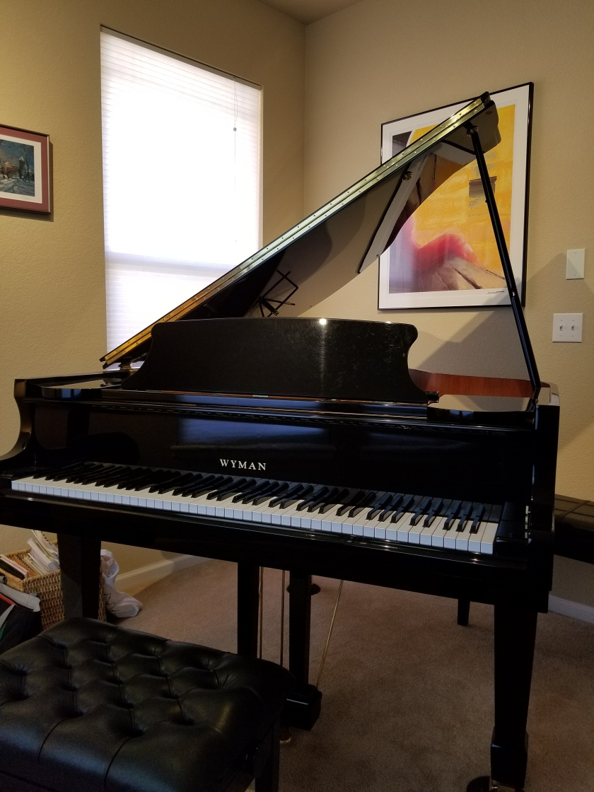 Gallery piano front