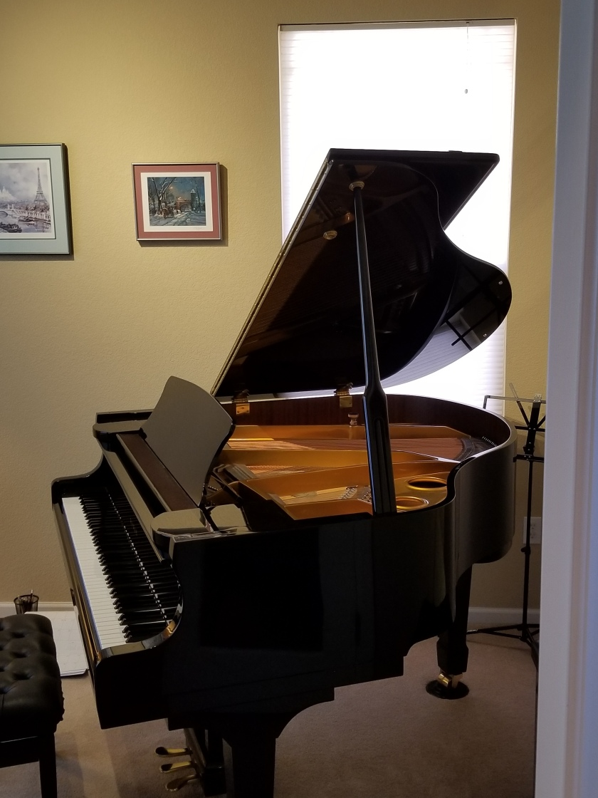 Gallery piano