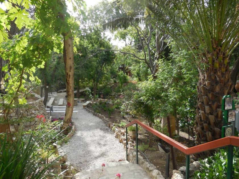 Garden Tomb 4