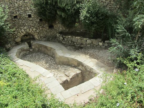 Garden Tomb winepress 2